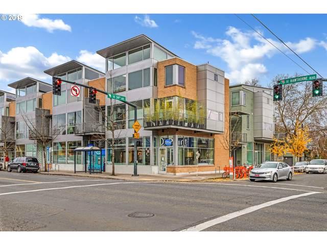 1510 SE 34TH Ave #206, Portland, OR 97214 (MLS #19422843) :: Homehelper Consultants