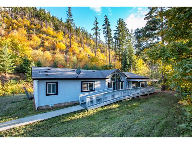 722 Highway 141, White Salmon, WA 98672 (MLS #19423110) :: Change Realty