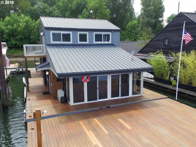 6901 SE Oaks Park Way #12, Portland, OR 97202 (MLS #19428128) :: The Sadle Home Selling Team