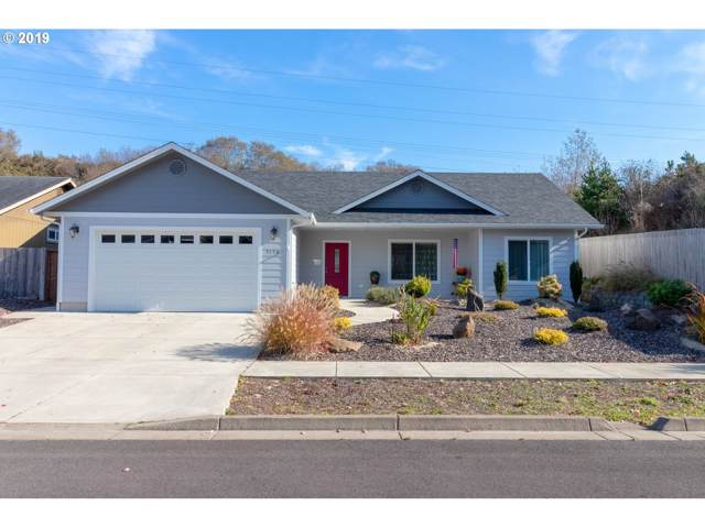 5156 Versant Dr, Florence, OR 97439 (MLS #19432677) :: Change Realty