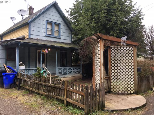 211 Monroe St, Oregon City, OR 97045 (MLS #19435698) :: McKillion Real Estate Group