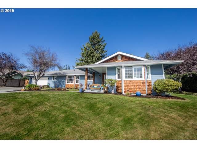 880 Crestwood Pl, Brookings, OR 97415 (MLS #19438332) :: Fox Real Estate Group