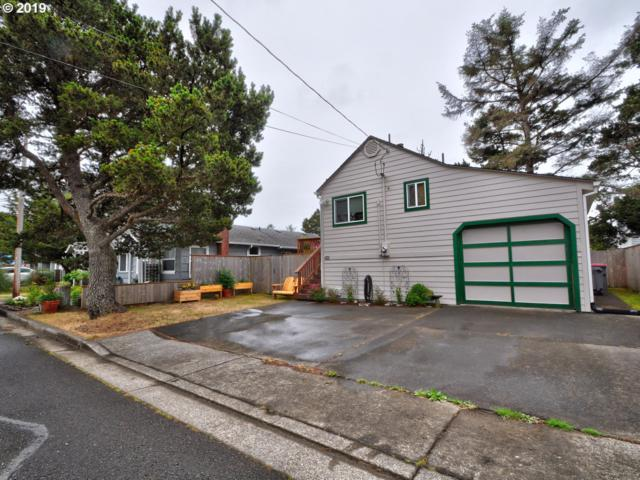 421 16th Ave, Seaside, OR 97138 (MLS #19443211) :: Team Zebrowski