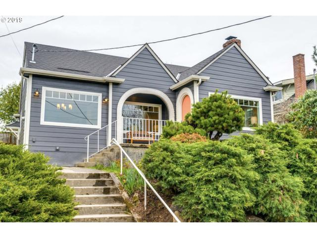 2204 SE 53RD Ave, Portland, OR 97215 (MLS #19444360) :: The Sadle Home Selling Team