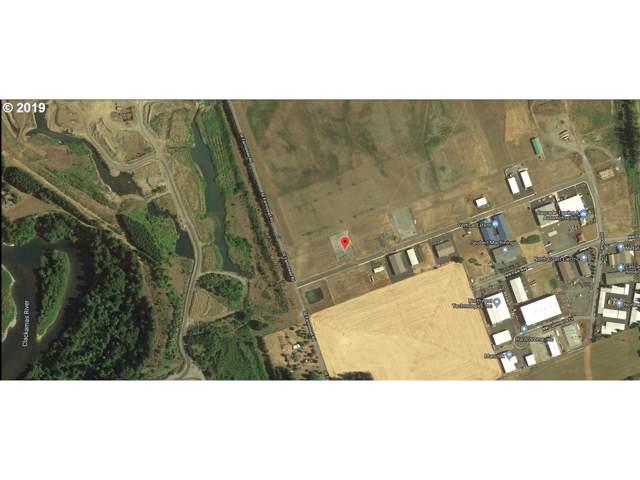 1225 NW Noble Dr, Estacada, OR 97023 (MLS #19444525) :: Cano Real Estate