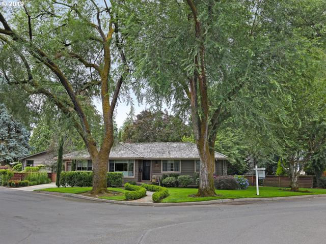 615 Lake Bay Ct, Lake Oswego, OR 97034 (MLS #19445359) :: McKillion Real Estate Group