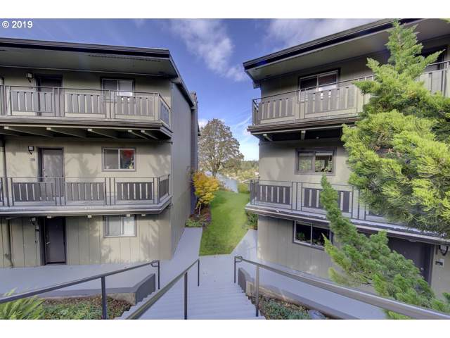 16200 Pacific Hwy #21, Lake Oswego, OR 97034 (MLS #19446418) :: Gregory Home Team | Keller Williams Realty Mid-Willamette