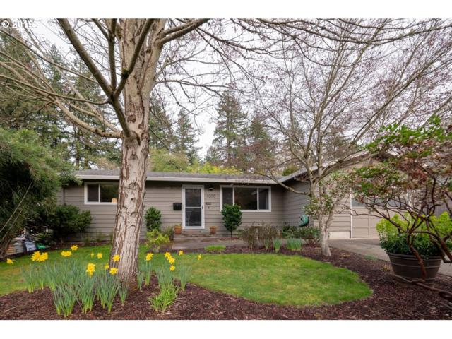 8200 SW 41ST Ave, Portland, OR 97219 (MLS #19446966) :: The Galand Haas Real Estate Team
