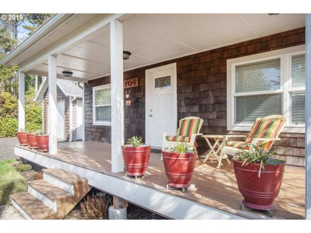 2704 SW Beach Ave, Lincoln City, OR 97367 (MLS #19447286) :: McKillion Real Estate Group