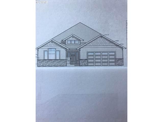 1440 NE Cascadia Ridge Dr, Estacada, OR 97023 (MLS #19447421) :: Premiere Property Group LLC