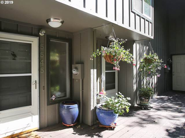 5545 SW Multnomah Blvd, Portland, OR 97219 (MLS #19447506) :: Next Home Realty Connection