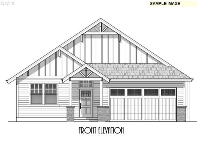 135 NE Overlook Ct, Estacada, OR 97023 (MLS #19449437) :: Matin Real Estate