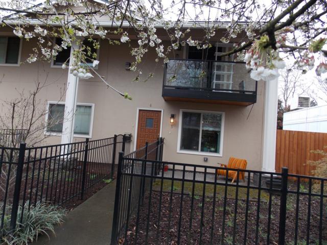 4830 SE Stark St #6, Portland, OR 97215 (MLS #19458772) :: Song Real Estate