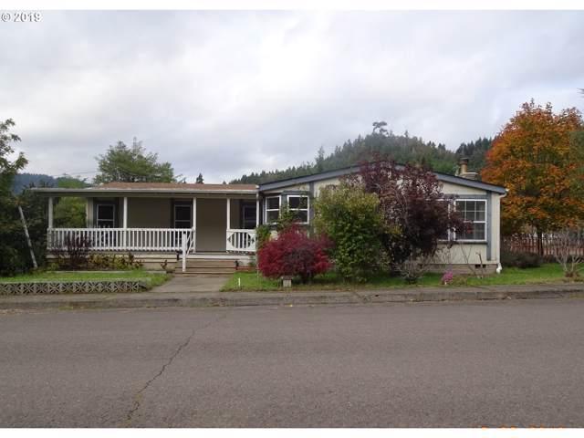 305 Kent St, Drain, OR 97435 (MLS #19462292) :: Song Real Estate