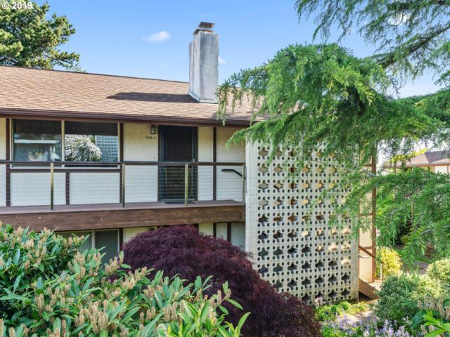3028 SW Florida Ct C, Portland, OR 97219 (MLS #19465034) :: Cano Real Estate