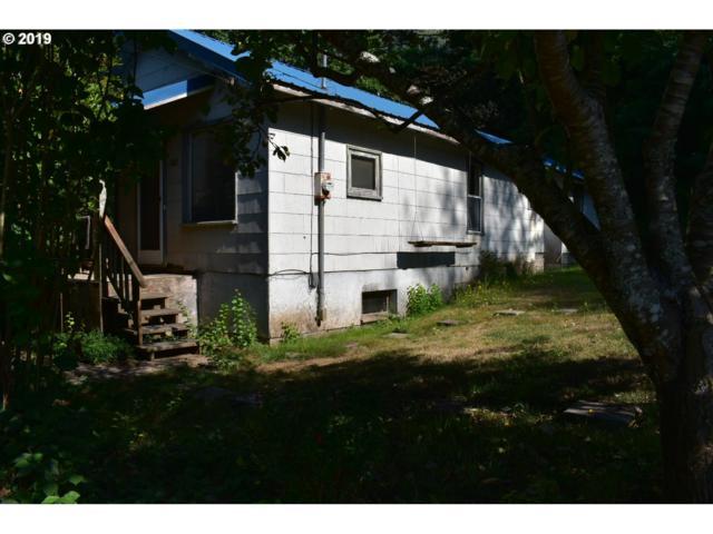 256 Elm Ave, Reedsport, OR 97467 (MLS #19467581) :: Gregory Home Team | Keller Williams Realty Mid-Willamette