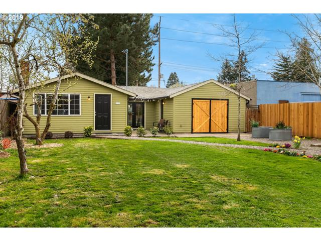 6158 NE Milton St, Portland, OR 97213 (MLS #19469904) :: The Sadle Home Selling Team