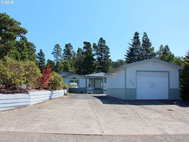 102 Evergreen Ln, Florence, OR 97439 (MLS #19470463) :: McKillion Real Estate Group