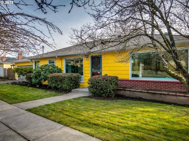 4208 SE Stark St, Portland, OR 97215 (MLS #19482684) :: Hatch Homes Group