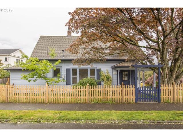 7828 SE 17TH Ave, Portland, OR 97202 (MLS #19485815) :: The Sadle Home Selling Team