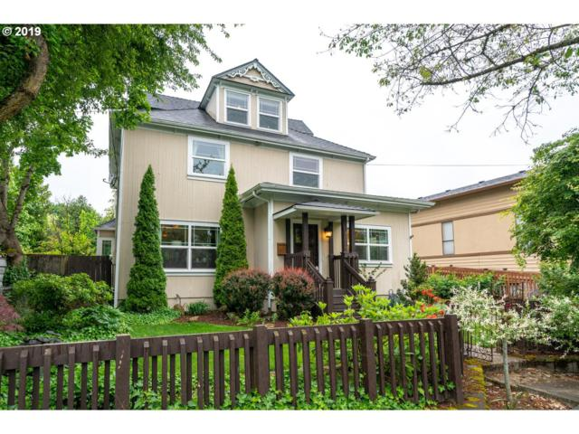 8065 SE 16TH Ave, Portland, OR 97202 (MLS #19488862) :: The Sadle Home Selling Team