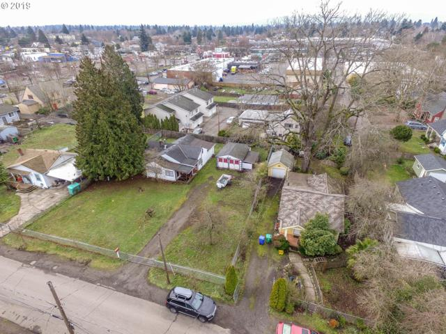 3325 SE 84TH Ave, Portland, OR 97266 (MLS #19490758) :: Hatch Homes Group
