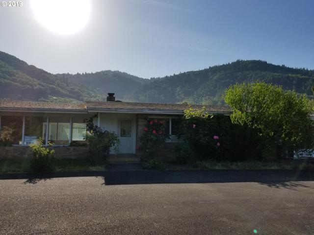 352 Valley Dr, Myrtle Creek, OR 97457 (MLS #19502879) :: Song Real Estate