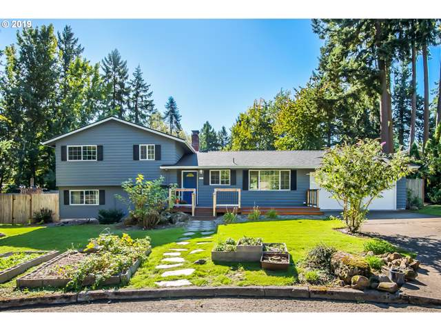 5430 SW Siletz Ct, Lake Oswego, OR 97035 (MLS #19505927) :: The Lynne Gately Team