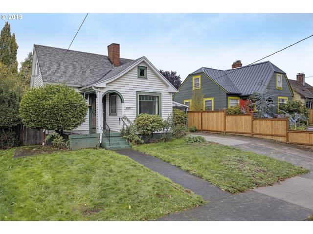4723 N Gantenbein Ave, Portland, OR 97217 (MLS #19511808) :: Song Real Estate