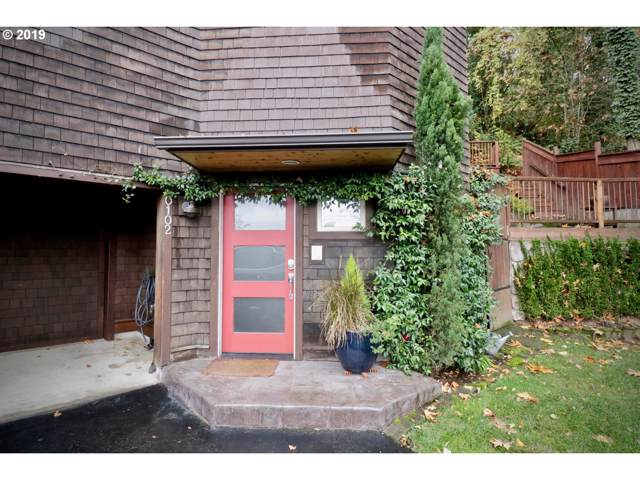 102 SW Pendleton St, Portland, OR 97239 (MLS #19514440) :: Fox Real Estate Group