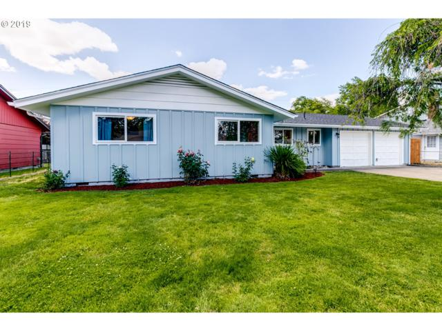 955 Oak St, Junction City, OR 97448 (MLS #19526304) :: The Galand Haas Real Estate Team