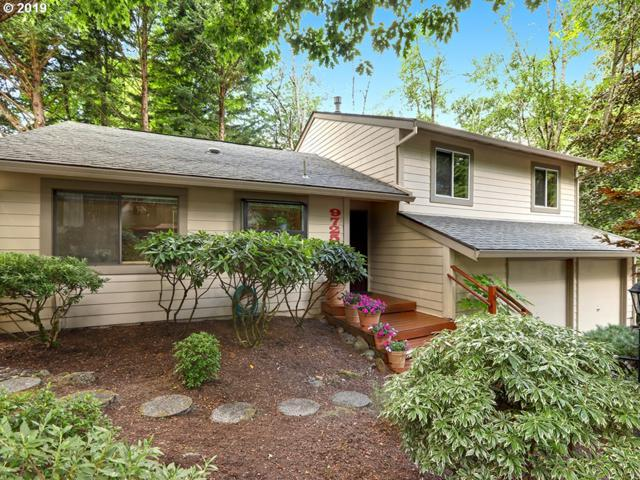 9725 SW Quail Post Rd, Portland, OR 97219 (MLS #19526942) :: Next Home Realty Connection