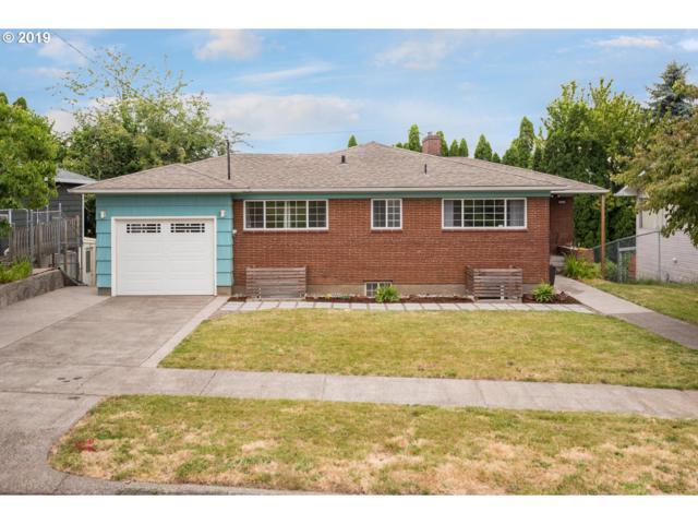 2309 NE Morgan St, Portland, OR 97211 (MLS #19530879) :: The Sadle Home Selling Team