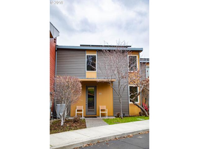 20 Mosier Creek Pl, Mosier, OR 97040 (MLS #19531837) :: R&R Properties of Eugene LLC