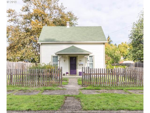 126 E Madison Ave, Cottage Grove, OR 97424 (MLS #19533881) :: Gregory Home Team | Keller Williams Realty Mid-Willamette