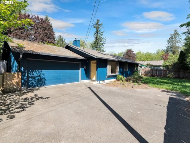 3233 SW Spring Garden St, Portland, OR 97219 (MLS #19534783) :: Townsend Jarvis Group Real Estate