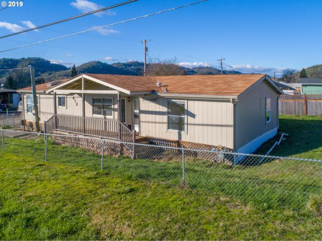 612 NE Meadow Ave, Roseburg, OR 97470 (MLS #19535651) :: Townsend Jarvis Group Real Estate