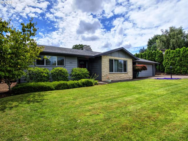 945 NW 13TH Ave, Canby, OR 97013 (MLS #19538994) :: Fox Real Estate Group