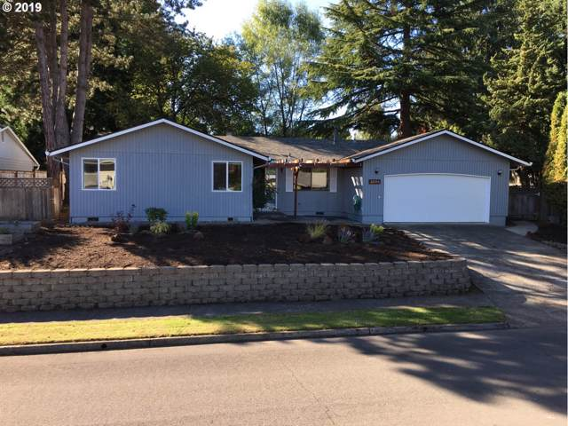 12153 SW 125TH Ave, Tigard, OR 97223 (MLS #19542957) :: McKillion Real Estate Group