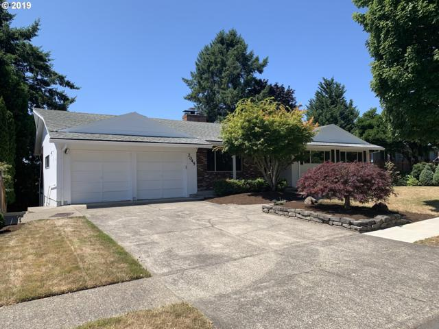 2045 SW Warwick Ave, Portland, OR 97225 (MLS #19546352) :: R&R Properties of Eugene LLC