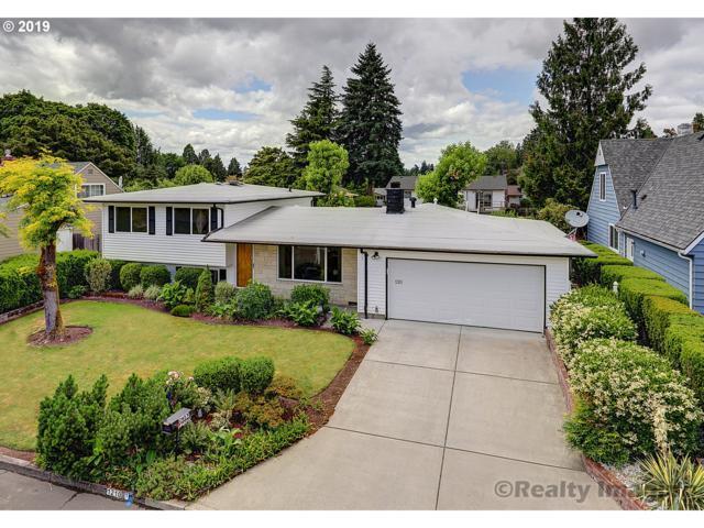 12105 SE Sequoia Ave, Milwaukie, OR 97222 (MLS #19546753) :: Realty Edge