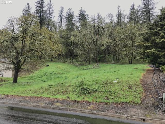 1610 NW Avery St, Roseburg, OR 97471 (MLS #19547995) :: Coho Realty