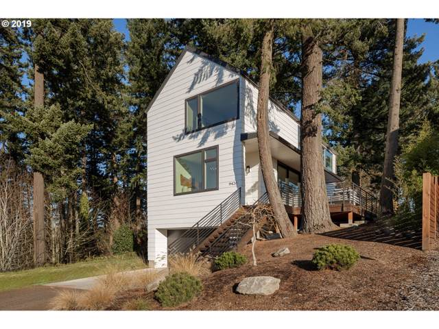 9426 SW 47TH Ave, Portland, OR 97219 (MLS #19551825) :: Fox Real Estate Group