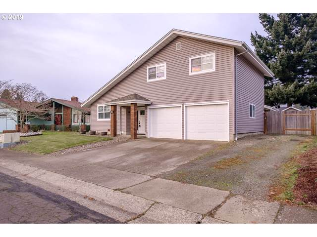 2117 29TH Ave, Albany, OR 97322 (MLS #19553648) :: Song Real Estate