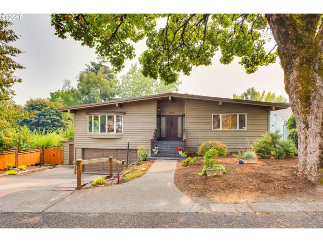 1704 SW Canby St, Portland, OR 97219 (MLS #19556268) :: Homehelper Consultants