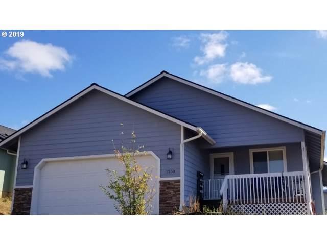 1250 NE Ballard Ct, Myrtle Creek, OR 97457 (MLS #19559497) :: Song Real Estate