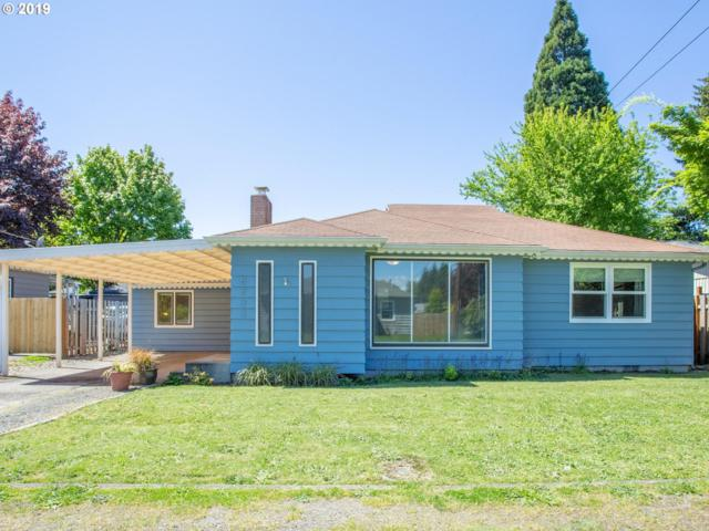 8733 SE 41ST Ave, Milwaukie, OR 97222 (MLS #19562905) :: Townsend Jarvis Group Real Estate