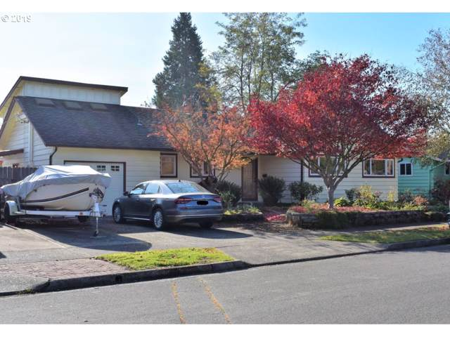 999 W 7TH Pl, Junction City, OR 97448 (MLS #19566063) :: Team Zebrowski