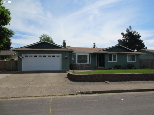 969 65TH St, Springfield, OR 97478 (MLS #19571313) :: Song Real Estate
