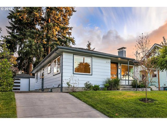 2014 NE Rosa Parks Way, Portland, OR 97211 (MLS #19574506) :: The Sadle Home Selling Team